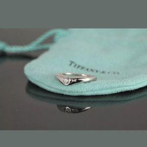 Tiffany & Co Elsa Peretti Platinum 0.18ct D